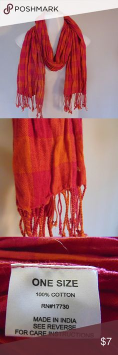 100% cotton scarf 100% cotton scarf In used, but good condition! Perfect for this Fall & super comfy! Accessories Scarves & Wraps