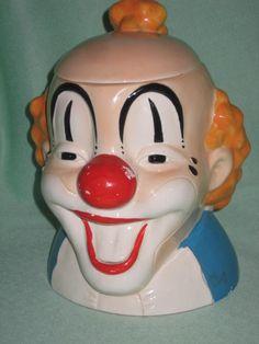 vintage clown cookie jar Vintage Clown, Clown Faces, Clowning Around, Yummy Cookies, Cookie Jars, Clowns, Piggy Bank, Etsy Vintage, Creepy