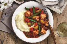 Slimming World's Diet Cola chicken is  simply delicious, made with tender pieces of chicken and served with plenty of fresh vegetables for lighter option. This mouth-watering meal is ready in under an hour and serves 4 people. The Diet Cola adds a sweet flavour and sticky texture - youll be hooked!