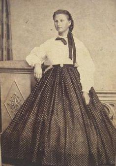 The Barrington House Educational Center, L. Fashion Line, Women's Fashion, Ladies Fashion, Fashion Trends, Civil War Fashion, Civil War Dress, Victorian Costume, Period Costumes, Photography Women