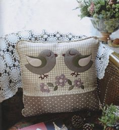 Sewing Cushions PDF Pattern of Lovely Bird pillow case cover cushion cotton felt sewing quilt applique patchwork art gift - Applique Cushions, Cute Cushions, Cute Pillows, Sewing Pillows, Applique Quilts, Throw Pillows, Bird Applique, Patchwork Pillow, Quilted Pillow