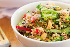 <p>This kind of reminds me of a super healthy version of pad thai. Like a pad thai but in crunchy salad form.</p>
