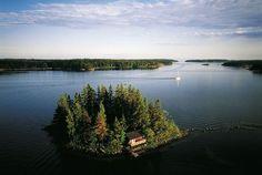 YannArthusBertrand2.org - Fond d écran gratuit à télécharger || Download free wallpaper - Îlot sur la mer Baltique, Porkkala, Finlande (60°00' N - 24°20' E).
