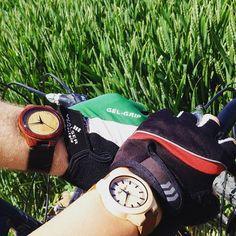 Buszując w zbożu 🌽🌾☺️#ekocraft #zboże #buszujacywzbozu #zegarek #zegarki #wood #woodlove #woodwatch #watch #watches #woodwatches #ekologia #bike #rower #madeinpoland #polishgirl #polishwoman #polishboy