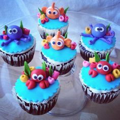 Under the sea cupcakes Ocean Cupcakes, Fancy Cupcakes, Kid Cupcakes, Fondant Cupcakes, Themed Cupcakes, Animal Cupcakes, Cupcake Cookies, Bolo Moana, Nemo Cake
