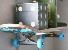 Skateboard Shelf Diy Recycle, Recycling, Skateboard Shelves, Diy Storage, Storage Ideas, My New Room, Diy Tutorial, Playroom, Shelving
