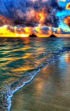 Sunrise in Lanikai Beach, Oahu, Hawaii. Oahu-- one of my favorite places. Beautiful Sunset, Beautiful Beaches, Beautiful World, Simply Beautiful, All Nature, Amazing Nature, Amazing Sunsets, Belle Photo, Pretty Pictures