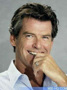 Pierce Brosnan considers the candidates to play James Bond Beautiful Celebrities, Gorgeous Men, Pierce Brosnan 007, Men Are Men, Actrices Hollywood, Attractive Men, Hollywood Stars, Movie Stars, Actors & Actresses