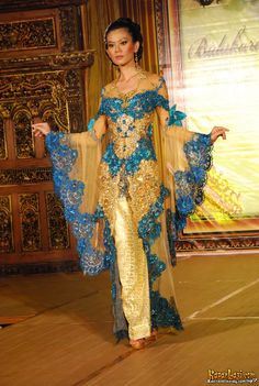 spreaded blue kebaya
