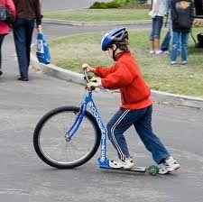 Monopatin con rueda bicicleta