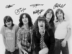 AC/DC Acdc – Angus Young – print signed photo – foto con autografo stampato AC-DC-Acdc-Angus-Young-print-signed-photo-photo-with-autograph-printed Rock Chic, Glam Rock, Rock Bands, Rock And Roll Bands, Bon Scott, Angus Young, Brian Johnson Acdc, Hard Rock, Ac Dc Band