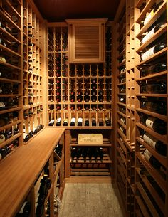 Traditional Wine Cellar by Papro Consulting 13