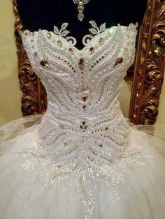 Stunning details on this white tutu! Ballet Tutu, Bridal Dresses, Wedding Gowns, Pretty Costume, Ballet Russe, Estilo Cool, Amazing Wedding Dress, Tutu Costumes, Beautiful Costumes