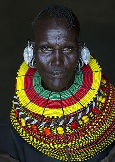 Turkana Tribe Woman With Huge Necklaces And Earrings, Turkana Lake, Loiyangalani, Kenya - kolyeler We Are The World, People Of The World, African American Art, African Art, African Beauty, African Women, Kenya, African Face Paint, Africa Tribes