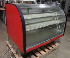 """H.D. COMMERCIAL """"DELFIELD""""  LIGHTED CURVED GLASS BAKERY/PASTRY DISPLAY CASE  picclick.com"""