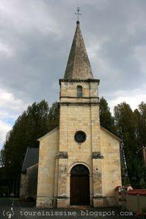 Gizeux: 2) l'église Notre Dame, reconstruite en 1840, a conservé des parties des XII°s (l'abside semi-circulaire en cul de four et choeur) et XVII°s (chapelles funéraires). L'église primitive était dédiée à St Hermeland. Cette église appartient à la paroisse de Bourgueil