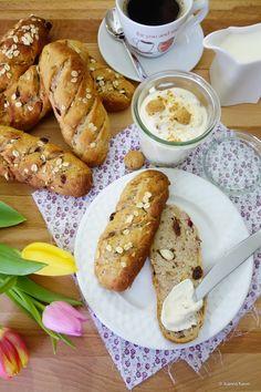 Hallo meine Lieben, frühtückt ihr auch so gerne? Also bei uns muss es unter der Woche immer schnell gehen, da können wir von einem reichhaltigen Frühstück nur träumen. Dafür genießen wir es am Wochenende und an freien Tagen um so …