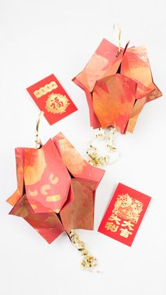 How to Make Gorgeous Painted Paper Lanterns for Chinese New Year - Such an awesome kids craft! New Year's Crafts, Holiday Crafts For Kids, Arts And Crafts, Creative Kids, Creative Crafts, Kid Art, Art For Kids, Balloon Ribbon, Gift Ribbon