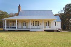 Curb Appeal Alert Breezy River House French Style Porch And Rivers