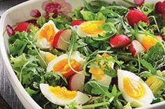 Recept na: Salát Neapolská jemnost. Kvaření potřebujete především vajíčka uvařená natvrdo, Knorr Salad Dressing Italský, ředkvička, listový salát (rukola, frissé, lollo..). Příprava pokrmu vám zabere 20 min minut.