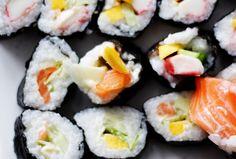 Przepis na domowe sushi Poke Bowl, Hot Roll Sushi, Paleo, Japanese Food, Finger Foods, Cooking, Ethnic Recipes, Sauces, Wedding Ideas