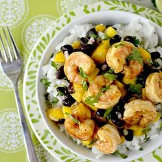 What are you cooking this weekend? Chili Lime Shrimp Bowls with Black Bean Mango Salsa from Iowa Girl Eats Seafood Recipes, Mexican Food Recipes, Cooking Recipes, Healthy Recipes, What's Cooking, Healthy Foods, Chile Lime Shrimp, Cilantro Shrimp, Chili Shrimp