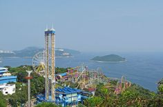 The very famous theme park offers around 80 avenues of joy and entertainment on a stretch of 91 hectares. If on a family vacation, do take your kids here, they will love it, and so will you. Lose yourself in the aura of fun and frolic.