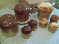 panetones trufados e gotas de chocolate.