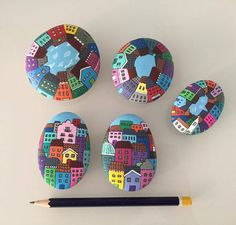 Stone art More - DIY ideas club Stone Art Painting, Pebble Painting, Dot Painting, Pebble Art, Rock Painting Patterns, Rock Painting Designs, Stone Crafts, Rock Crafts, Posca Art