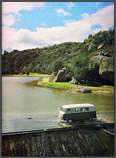 Crossing Waters In Zimbabwe in 1978 (then Rhodesia) Interesting Photos, Cool Photos, Zimbabwe History, Apartheid, Victoria Falls, All Nature, Places Of Interest, East Africa, Homeland