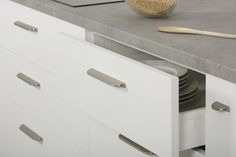 Del cromo al cobre, un cambio de tiradores en los muebles para un cambio de estilo
