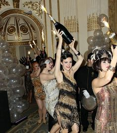 Great Lists of fabulous 20's style items for Roaring Twenties & Gatsby Parties!