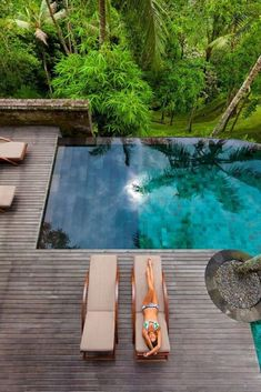 Get your backyard swimming pool standard higher! Get these ideas and make your celebrity swimming pool dream comes true. Small Swimming Pools, Swimming Pools Backyard, Swimming Pool Designs, Pool Landscaping, Infinity Pools, Ideas De Piscina, Kleiner Pool Design, Small Pool Design, Deck Design