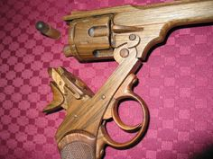 Wood Replica Gun Wooden Art, Wooden Crafts, Cnc Woodworking, Woodworking Projects, Replica Guns, Rubber Band Gun, Cardboard Paper, Wood Toys, Wood Turning