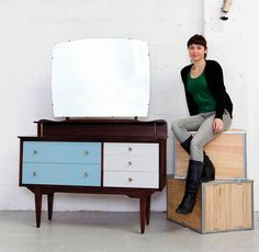 How to: revinvent a mid-century dressing table with paint and varnish Like this for my dressing table like this http://www.pinterest.com/pin/23643966766057389/, dark varnish and 2 pastel colours I'm planning for the 2 pine wardrobes Lush
