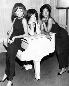 276ca338 The Swinging Sixties. The Swinging Sixties — Diana Ross and The Supremes