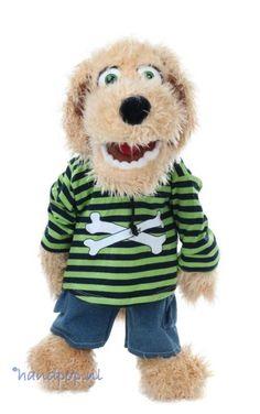 Bosse is een 65 cm grote hond handpop van Living Puppets. Het is een dierpop met de bespeelmogelijkheden van een menspop.