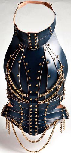 Leather Accessories, Fashion Accessories, Fashion Jewelry, Nomad Fashion, Fashion Design, Weird Fashion, Metal Fashion, Conceptual Fashion, Gothic Corset