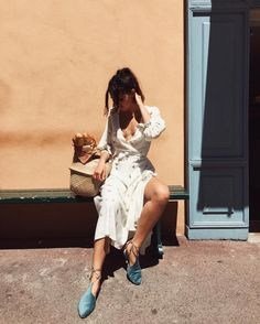 "Gefällt 443 Mal, 6 Kommentare - Doina Ciobanu | Дойна (@doina) auf Instagram: ""Someone take me to Morocco! Getting those desert vibes in these beautiful @zyneofficial flats and…"""