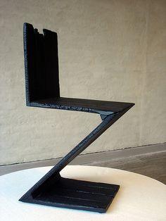 Burnt Rietveld Zig Zag Chair by Maarten Baas Zig Zag, Stools, Furniture Ideas, Chairs, Loft, Woodworking, Interiors, Interior Design, Free
