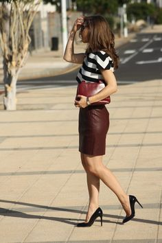 How to wear a brown leather skirt. | Must wear! | Pinterest | How ...