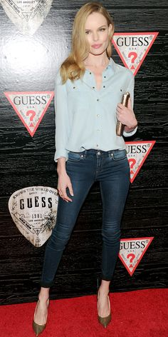 Kate Bosworth wears an effortlessly chic outfit by Guess, a Zagliana Faye Clutch, and Casadei heels // Celebrity: Kate Bosworth Is Effortlessly Chic In Guess