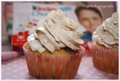 cupcakes de kinder chocolate con buttercream de kinder chocolate