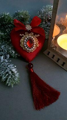 Shabby Chic Christmas Ornaments, Disney Christmas Ornaments, Christmas Balls, Christmas And New Year, Vintage Christmas, Christmas Diy, Christmas Decorations, Xmas, New Years Decorations