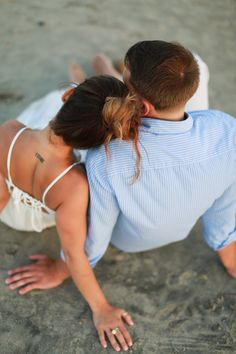 Romantic Beach Engagement - Photography, Landscape photography, Photography tips