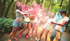 São Paulo recebe primeira edição da festa 'Holi Teen'