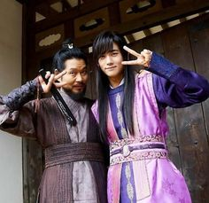 Hwarang: The Poet Warrior Youth Park Hyung Sik Hwarang, Park Hyung Shik, Asian Actors, Korean Actors, Korean Dramas, Memes Chinos, Korean Tv Series, Do Bong Soon, Im Siwan
