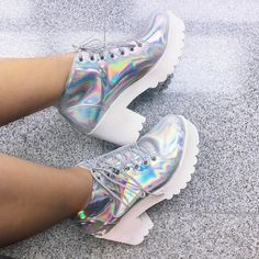 Holographic shoes on We Heart It Pretty Shoes, Cute Shoes, Me Too Shoes, Iridescent Clothing, Holographic Fashion, Shoe Boots, Shoes Heels, Dolly Fashion, Mode Chic
