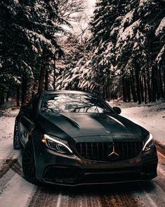 Mercedes-Benz S-Class 2018 Mercedes Amg S63, Black Mercedes Benz, Mercedes Benz Models, Mercedes Benz Cars, Fast Sports Cars, Sport Cars, Mercedes Benz Wallpaper, Lux Cars, Benz S Class