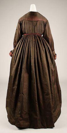 wrapper (from back) civil war era fashion